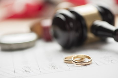 Divorce attorney in Fairmont, Clarksburg, Morgantown and surrounding areas of West Virginia.